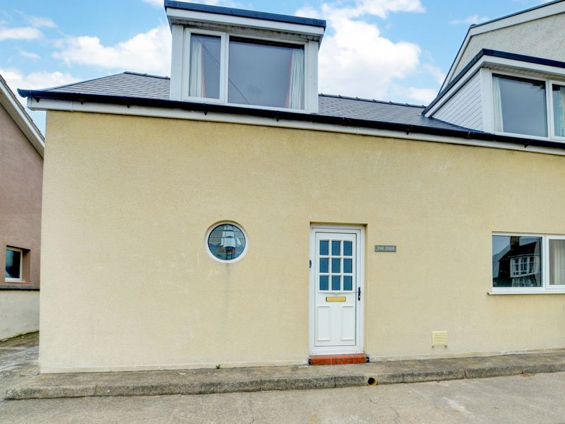 The Beach House, holiday rental in Borth