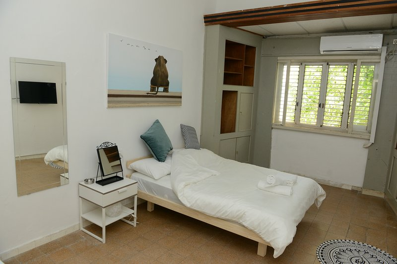 A COZY ROOM IN THE HEART OF FLORENTIN WITH FREE NETFLIX!!-23, casa vacanza a Jaffa