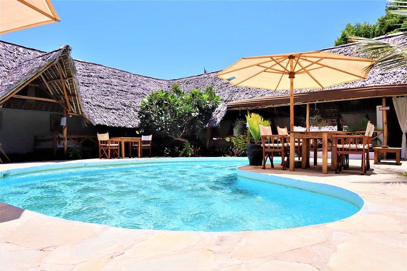 MVUVI Lodge, Kite House - KIWAYU Bungalow, vacation rental in Watamu
