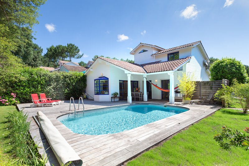 Private Villa with pool and close to beach & golf, location de vacances à Moliets et Maâ