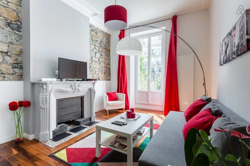 Beautiful 2-rooms apartment, cachet❤️Wall in stones, for 4 #G3, vacation rental in Grenoble