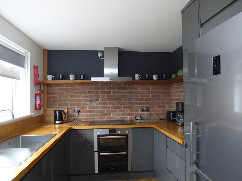 fantastic, modern and well equipped Kitchen