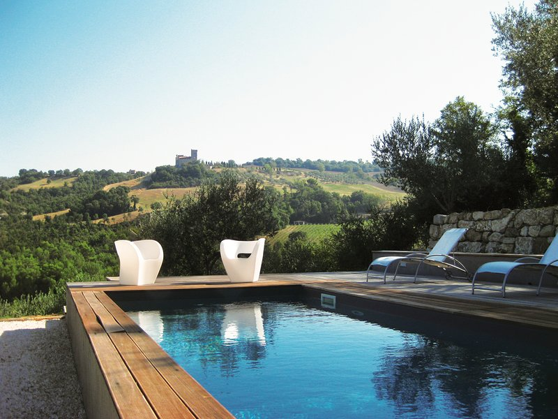 Frontignano Chateau Sleeps 12 with Pool - 5809055, vacation rental in Grutti