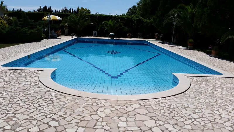 Amazing studio with shared pool, vacation rental in Scorrano