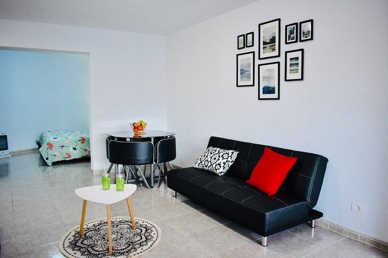 Nice studio in Los Realejos & Wifi, aluguéis de temporada em Los Realejos