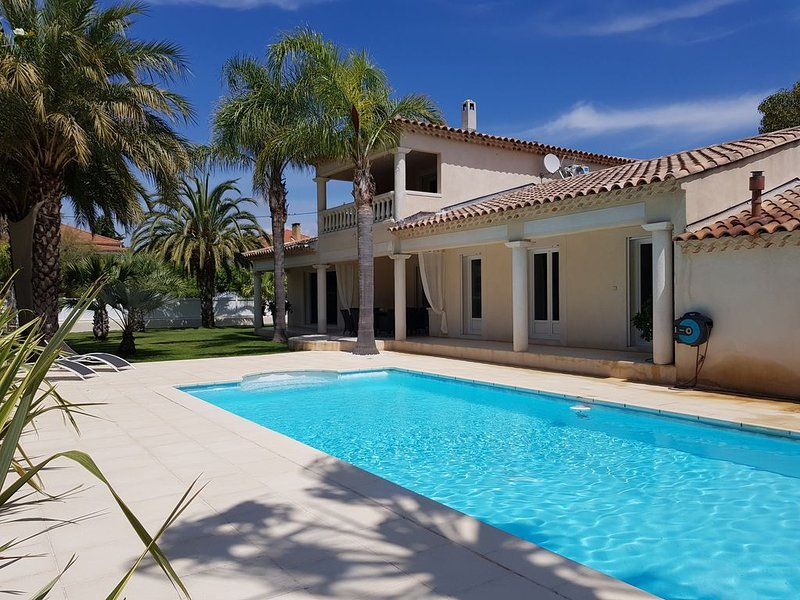 Spacious villa with swimming-pool, holiday rental in Les Lecques