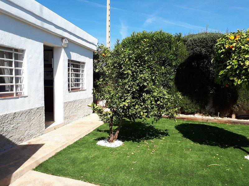 Beautiful house near the beach, alquiler de vacaciones en Sant Carles de la Ràpita