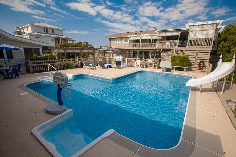 Building,Resort,Hotel,Water,Pool