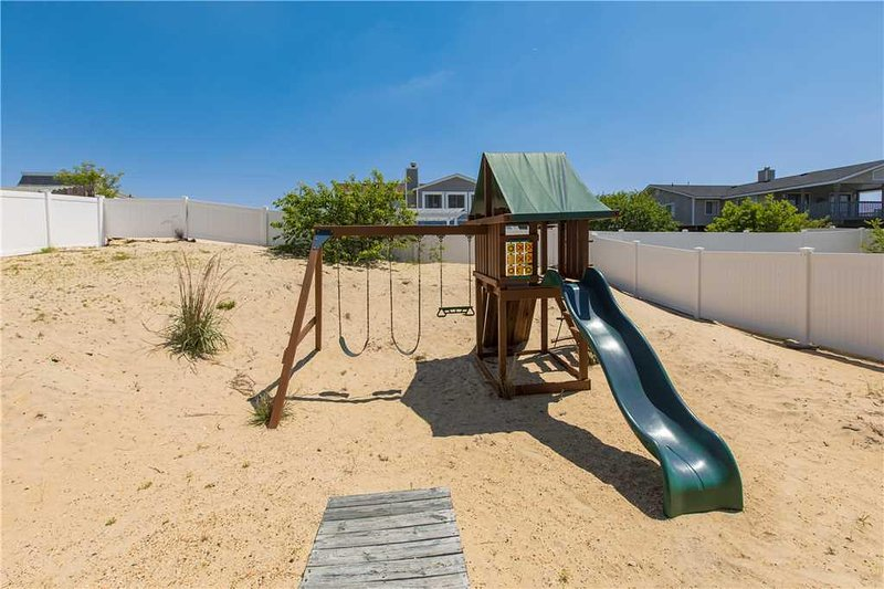 Playground,Play Area,Outdoor Play Area,Slide,Boardwalk
