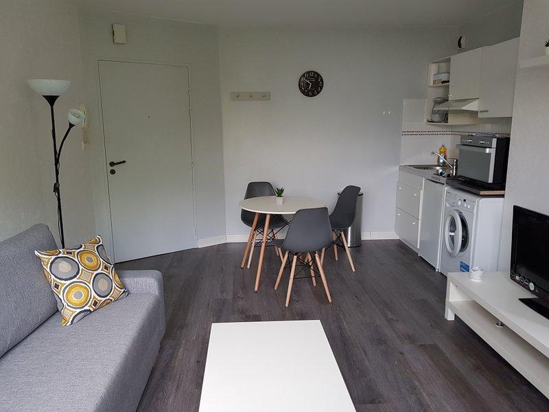 Bel appartement t2 calme et lumineux. Proche de tout, location de vacances à Le Cellier