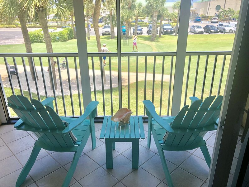 OV 725 Golf Course/Ocean Peek View Condo-Welcome to Paradise, holiday rental in Hutchinson Island