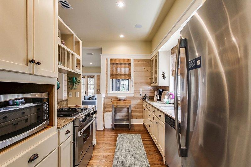 Room,Indoors,Flooring,Kitchen,Hardwood