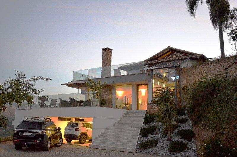 Casa Bellavista Itaipava, 4 suítes, completa e moderna, piscina, área gourmet, s, location de vacances à Araras