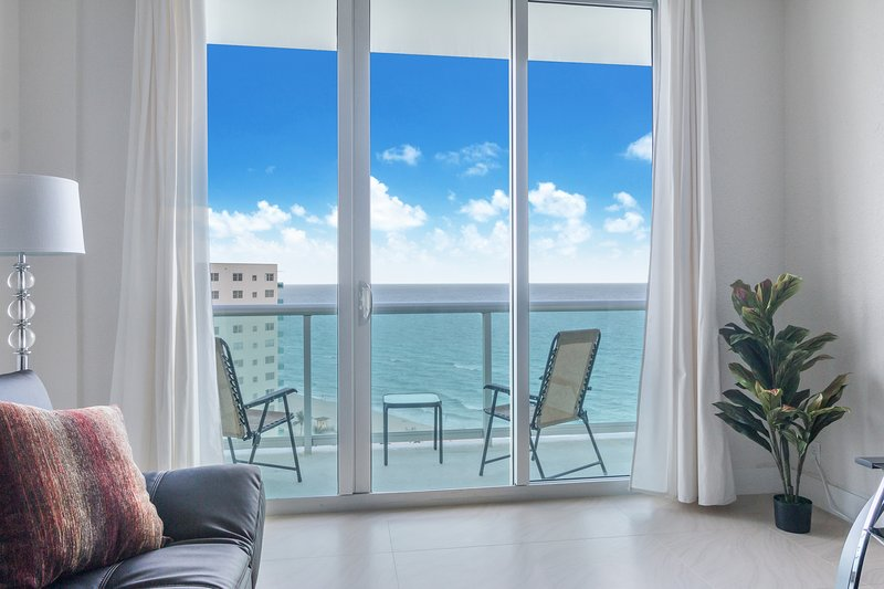 The Tides ocean view apartment, holiday rental in Hallandale Beach