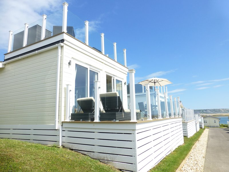Superb holiday lodge with sea views., holiday rental in Weymouth