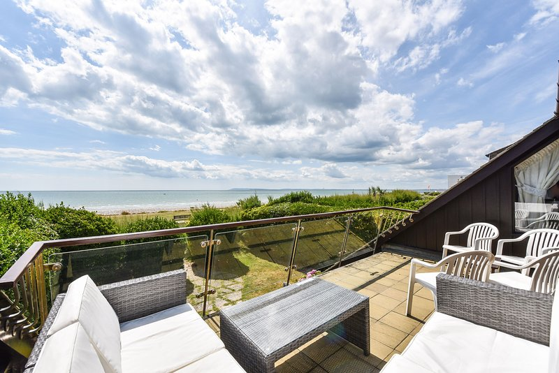 Fairhaven, East Wittering, holiday rental in Bracklesham Bay