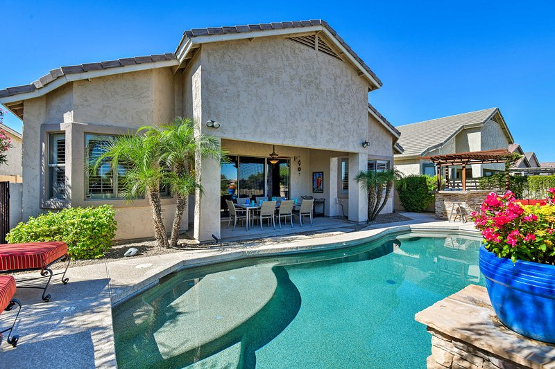 Family Home w/ Outdoor Oasis on Legacy Golf Course, location de vacances à Guadalupe