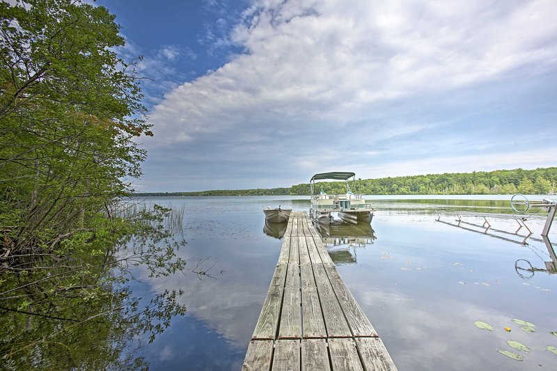 Stay just a short walk from this seasonal dock on beautiful Green Lake!