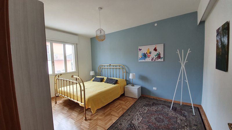 Stylish flat, quiet and well connected to Padua - reach Venice in a half hour ., vakantiewoning in Noventa Padovana