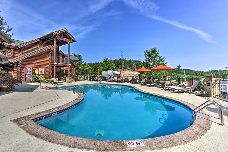 The Golf View Resort includes amenities like indoor/outdoor pools.