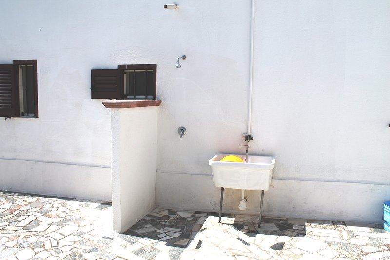 doccia esterna con pilozza