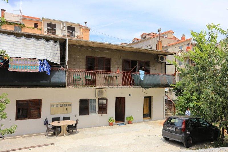 Room Split (S-17766-a), holiday rental in Vranjic