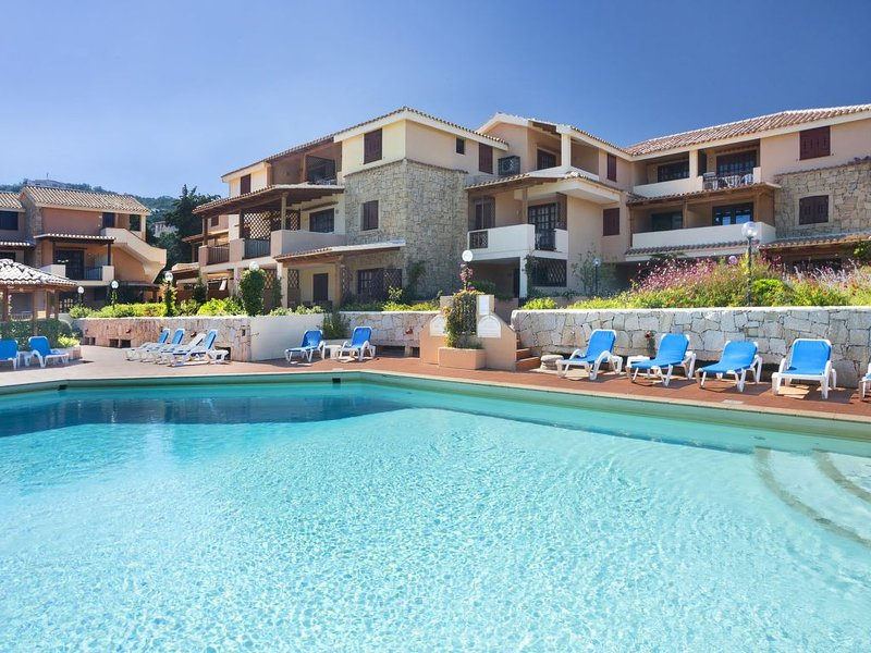 Bougainvillae Residence, holiday rental in Liscia di Vacca