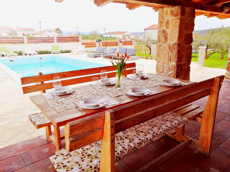 Pool house Eva&Jakov, vacation rental in Posedarje