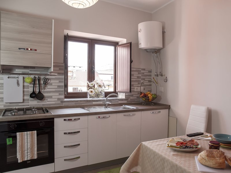 Amazing apartment in Lamezia Terme, holiday rental in Gizzeria Lido