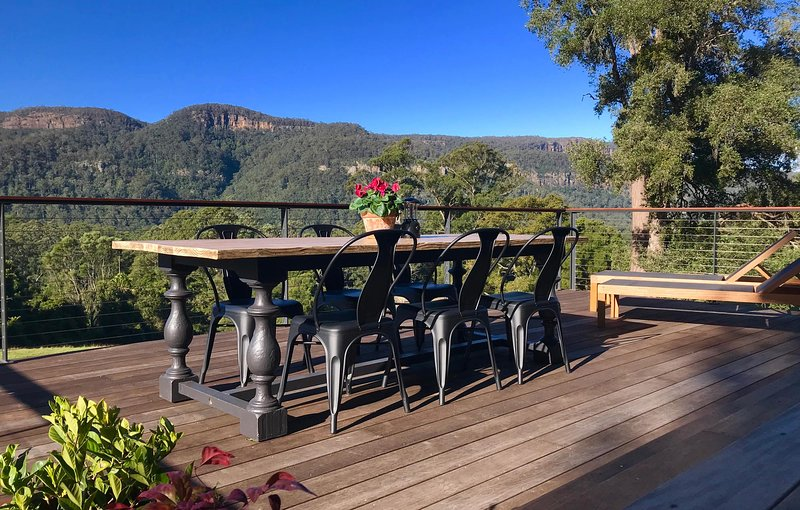 Amaroo Valley Springs - Luxury Boutique Cabin in Kangaroo Valley GRAND VIEW, vacation rental in Robertson