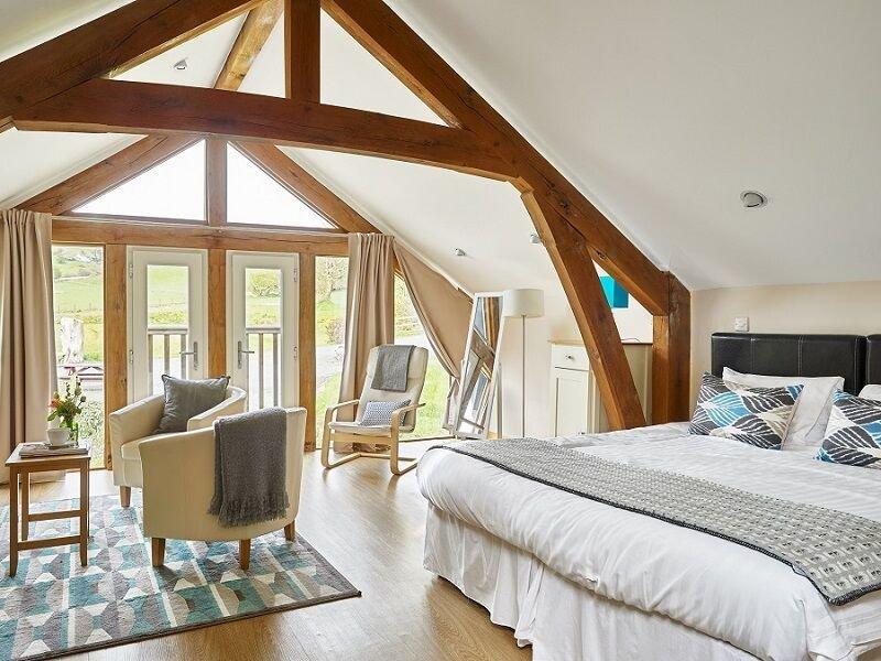 Cariad Suite acomoda 2, casa de banho privada molhada sala, Juliet Varanda no primeiro andar