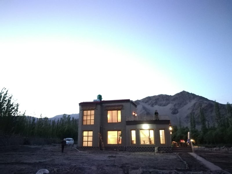 Devaranya Cottages - beautiful cottages on Indus River...close to nature, holiday rental in Leh