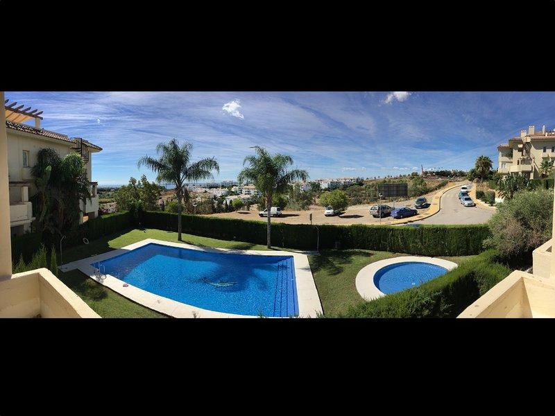 Terraço com vista para a área da piscina