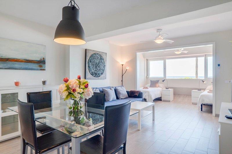 Eden Roc Beachfront Apartment - E10, vacation rental in Marbella