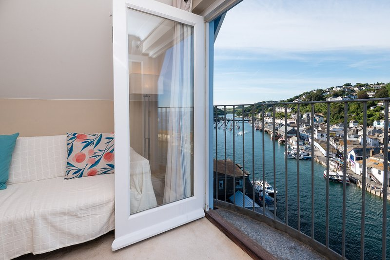 Harbourside 9 - Modern apartment with fabulous views, close to town and beach, location de vacances à Looe