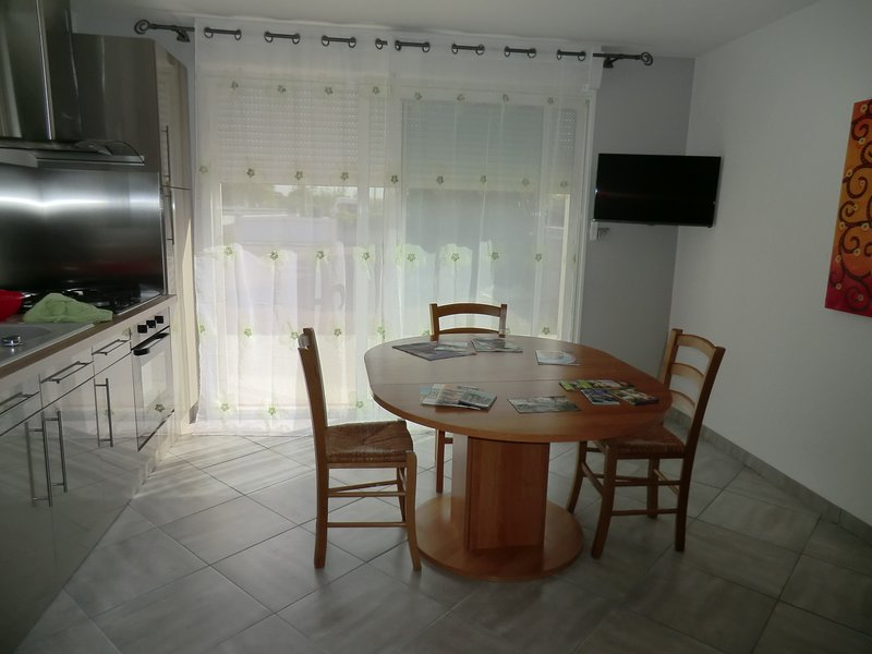 Beautiful house with garden & Wifi, vacation rental in Sallertaine