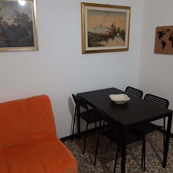 G & A Milan House is an option to visit Milan. Located in the metopolitan area., vacation rental in Brusuglio