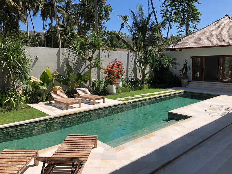 Amazing Luxury 3bdr Villa with 16m private pool for guests to enjoy!