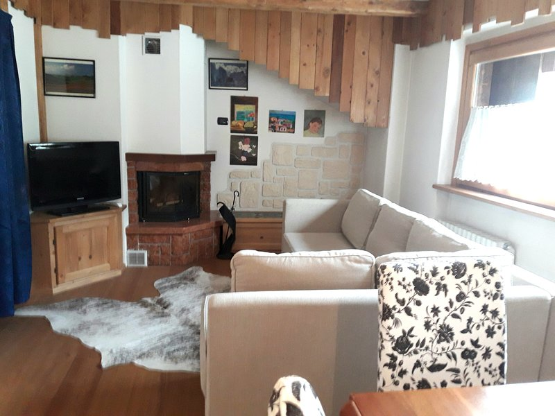 Appartamento a San Vito di Cadore fino a 7 posti, holiday rental in Province of Belluno