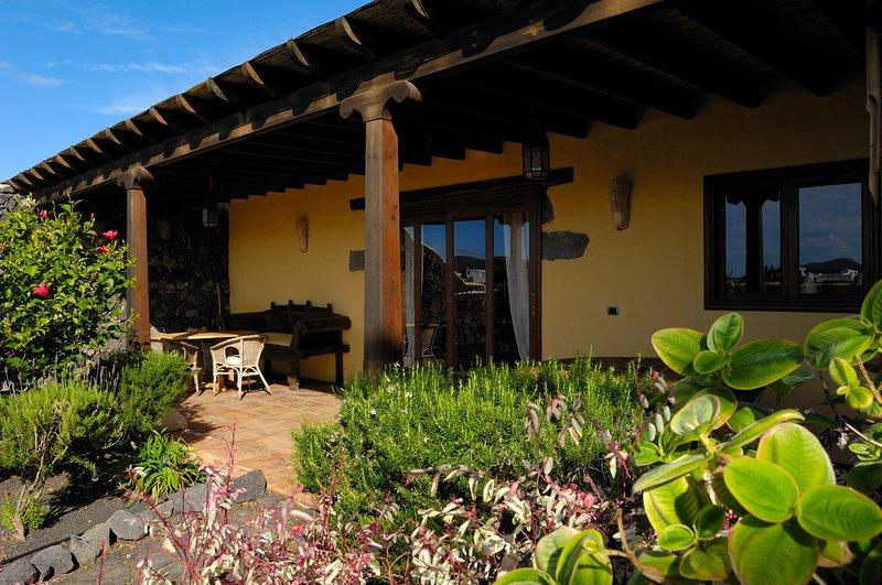 Two Bedroom Rural Villa, holiday rental in Tiagua
