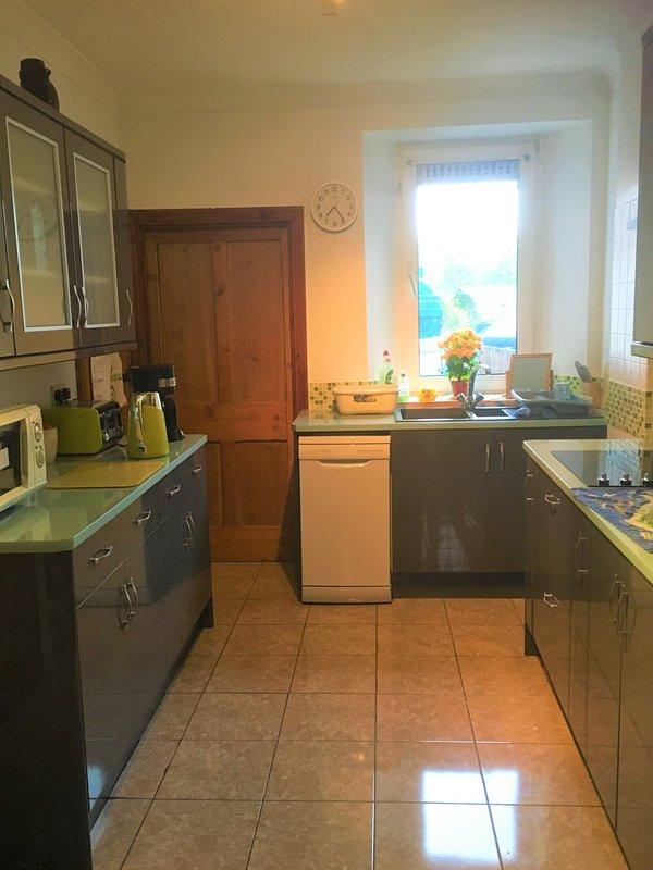 Heddfan B&B, vacation rental in Llangynin
