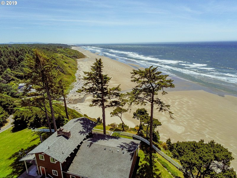 The Triton, holiday rental in North Bend