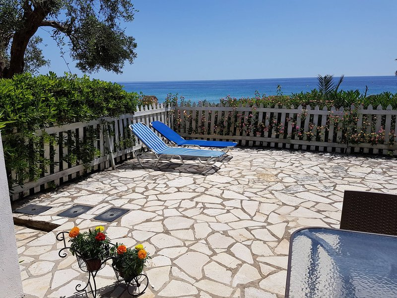 Corfu Glyfada Apartment 22, vacation rental in Vatos