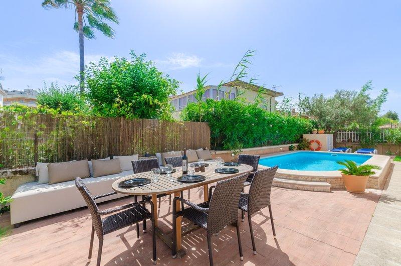 ES REPOS - Villa for 6 people in Platges De Muro, casa vacanza a Playa de Muro