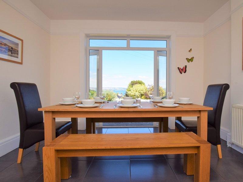 Sala de jantar com sensação de luxo