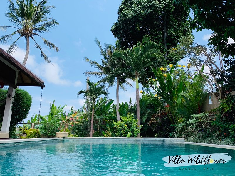 Villa Wildflower - tranquil 3BR villa nestled in paradise, holiday rental in Tanah Lot