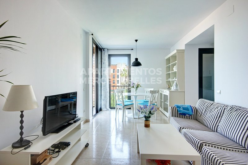 ACOGEDOR APARTAMENTO 1ª LINEA DE PLAYA -COZY APARTAMENT 1ªBEACH LINE, vacation rental in Cubelles
