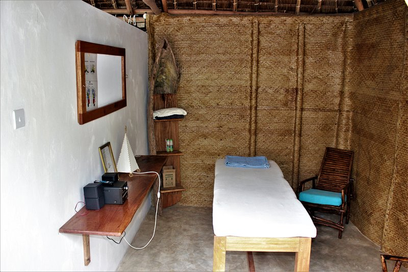 Mvuvi Lodge - Massage Area
