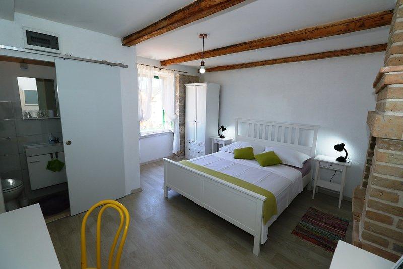 Rooms Val Comeza-Pelagosa, holiday rental in Podhumlje