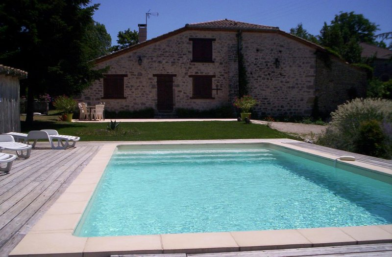 Amazing house with swimming-pool, holiday rental in Puylaroque